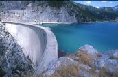 Side dam